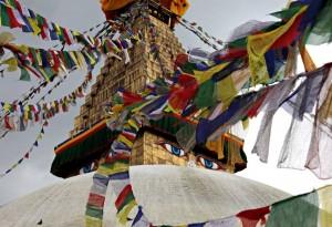 Das Foto zeigt den Boudhanath Stupa der ebenfalls teilweise eingebrochen ist. Er steht in Kathmandu und ist eins der größten buddhistischen Heiligtümer Nepals. Bildrechte: Matthias Hoch
