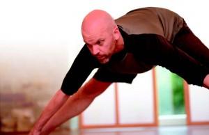 Der Würzburger Yoga-Experte Andreas Lutz. Foto: Ingo Peters