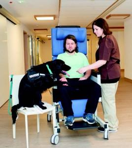Für Außenstehende sind kleine Fortschritte oft nicht spektakulär, für den Patienten aber bedeuten auch sie einen Gewinn an Lebensqualität. Foto: Klinik Bavaria