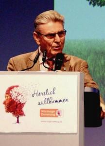 """""""Die Pflege von Demenz-Erkrankten hat ihre ganz eigenen Herausforderungen"""", betont Dr. Kurt Eckernkamp, dessen Schwester an Demenz erkrankte. Foto: Regina Rodegra"""