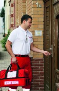 Mit der sicheren Schlüsselhinterlegung bei den Johannitern kommt die Hilfe schnell in Ihre Wohnung. Foto: Johanniter Unfallhilfe