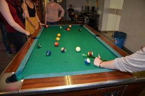 Billard ist nur eine von vielen Freizeitangeboten im Cafe dom@in. Foto: Senftleben