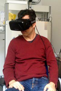 Die Untersuchungsmethoden der Protect-AD-Studie umfassen auch den Einsatz von Technologien zur Erzeugung von virtueller Realität. Foto: Martin Dobricki/Lehrstuhl für Psychologie I der Uni Würzburg