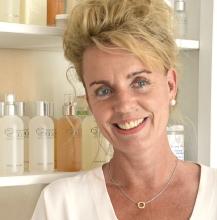 """Individuell und einfühlsam: Jutta Blankenhagen-Wagner will ihre Kunden entschleunigen und ihnen ein """"Wohlgefühl der Entspannung"""" mitgeben. Foto: Nicole Oppelt"""