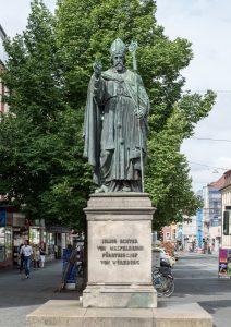 Denkmal für Julius Echter errichtet 1847 Juliuspromenade Würzburg. Foto: © Archiv der Diözese Würzburg
