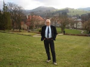 Dr. Jürgen von Rosen, ärztlicher Leiter der Schloßpark-Klinik in Gersfeld Foto: Regina Rodegra