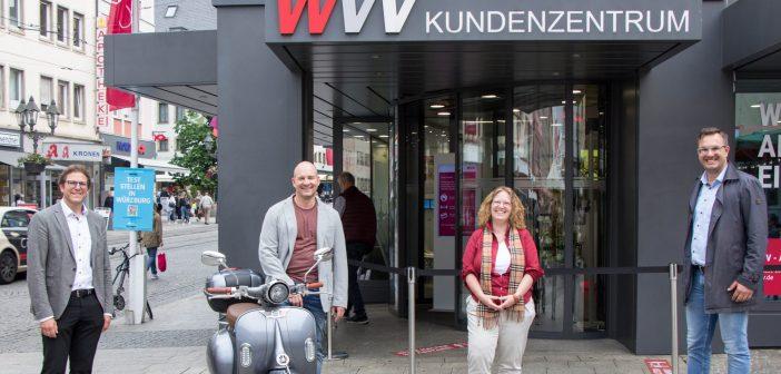 """Offizielle Preisübergabe an den Gewinner des Fotowettbewerbs """"Klimafreundliche Mobilität"""""""